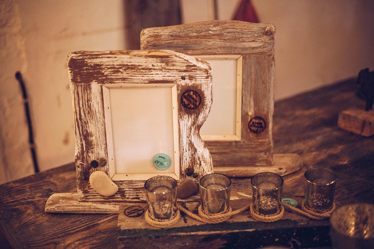 Begleite mich zum Strandgut-Banditen Bo, der in seiner Werkstatt Dünenstrauss in List Möbel aus Treibholz baut.