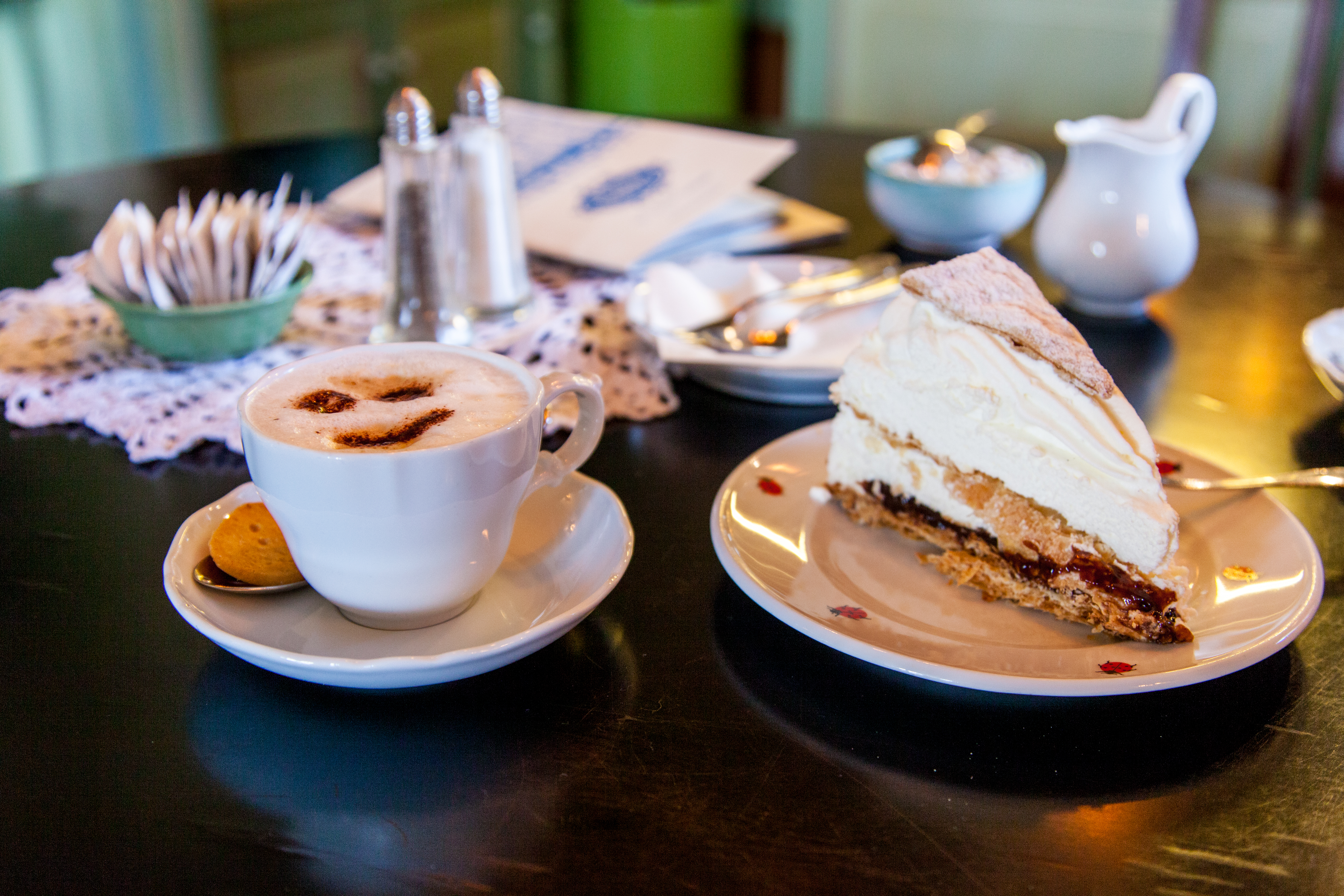 Cafés auf Sylt: Kleine Teestube in Keitum, Friesentorte