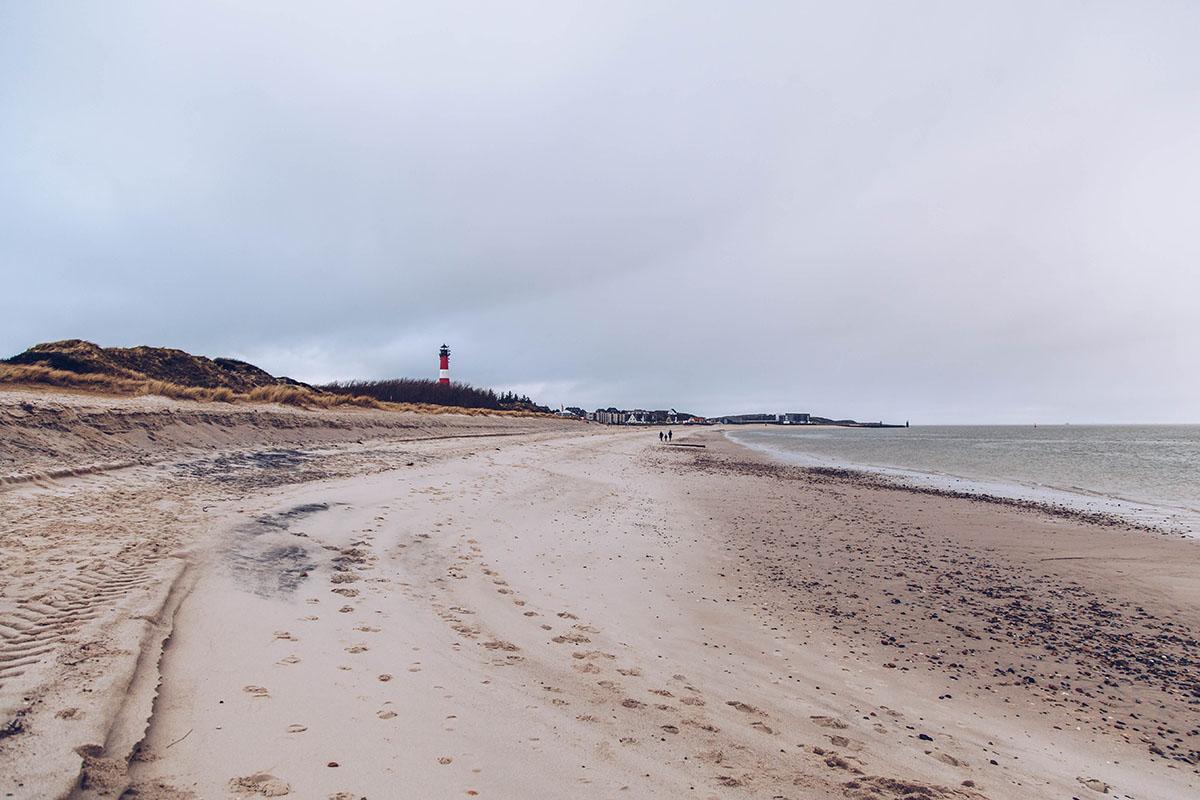 In meinem Hörnum-Mini-Guide zeige ich dir, was Sylts Inselsüden zu bieten hat. Ein Muss: Die Umrundung der Hörnum Odde, der Hafen und die Kersig-Siedlung!