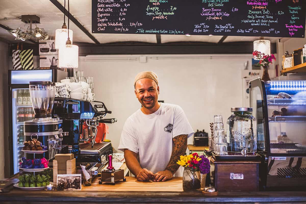 Neu auf Sylt: Kaffeekurve in Braderup / Inhaber David