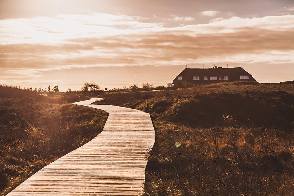 Landhaus Severin's am Morsum Kliff im Sonnenuntergang