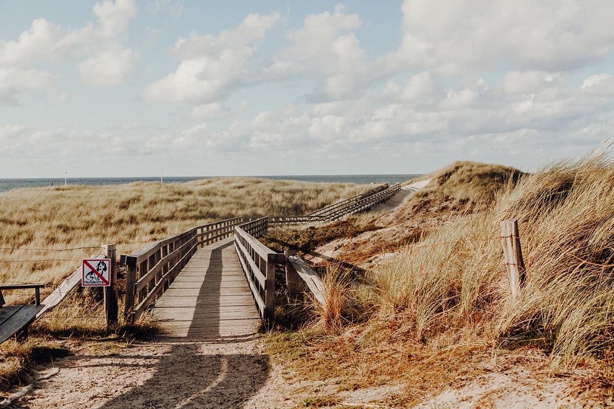 Kampen Sylt Weg zum Strand Sonnenuntergang