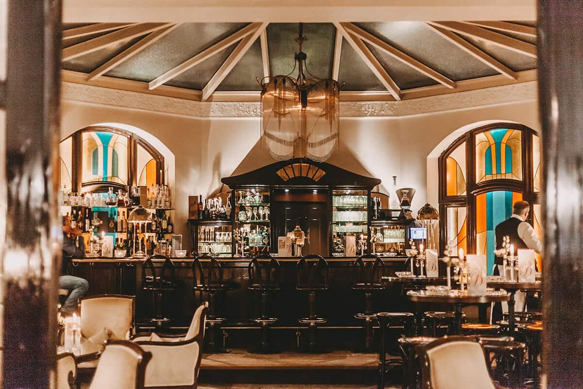 Hotel Miramar Westerland auf Sylt Hotelbar abends